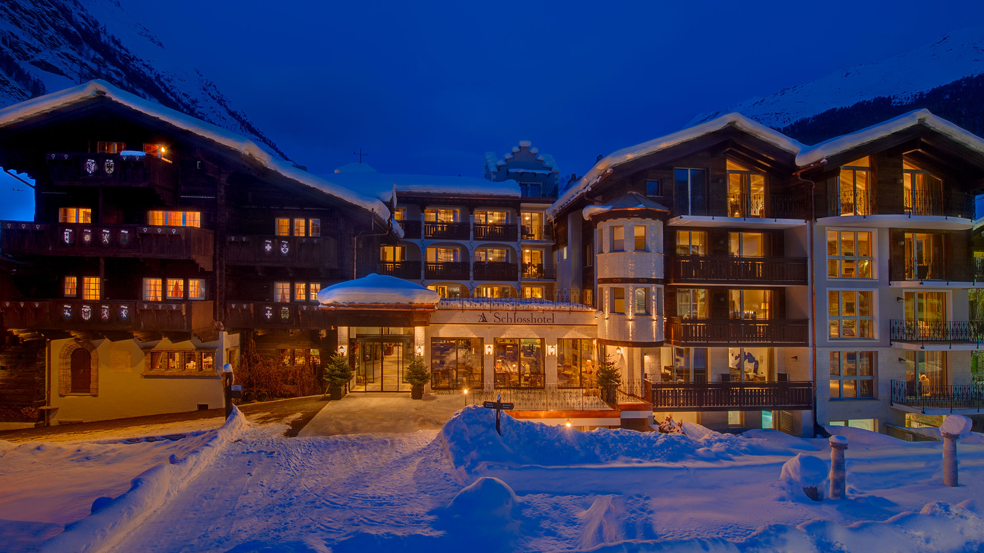 01_luxury-4-star-boutique-hotel-zermatt_winter.jpg